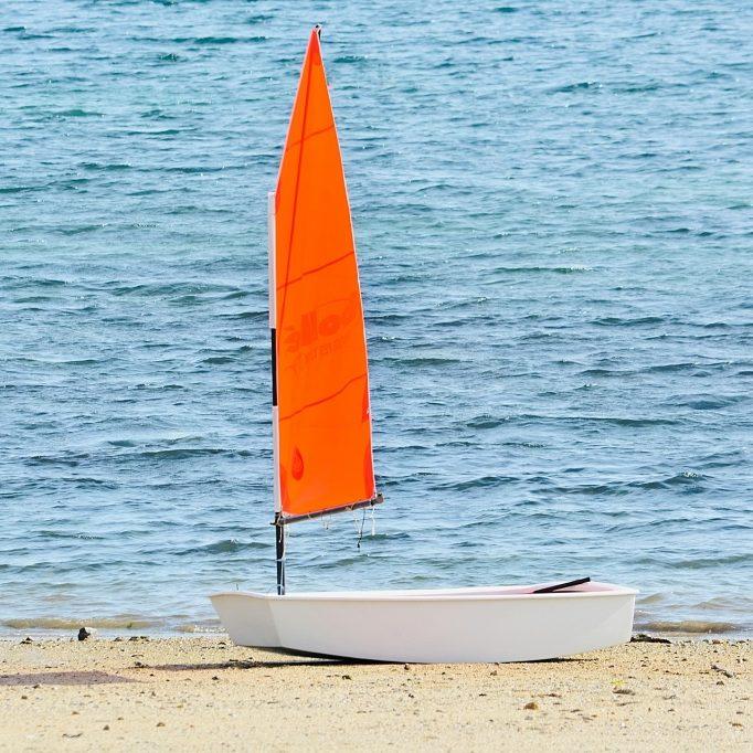 sailboat-2159616_1920